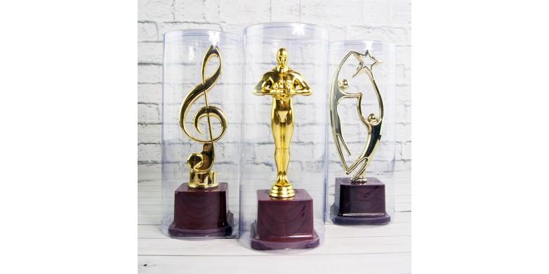 Подарункові кубки і статуетки - 5 причин купити їх в нашому інтернет магазині