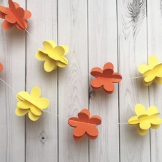 Гирлянда бумажная 3D Цветы (желтый с оранжевым)